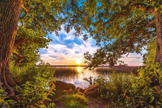Бесплатные фото закат,озеро,деревья,небо,берег,природа,пейзаж