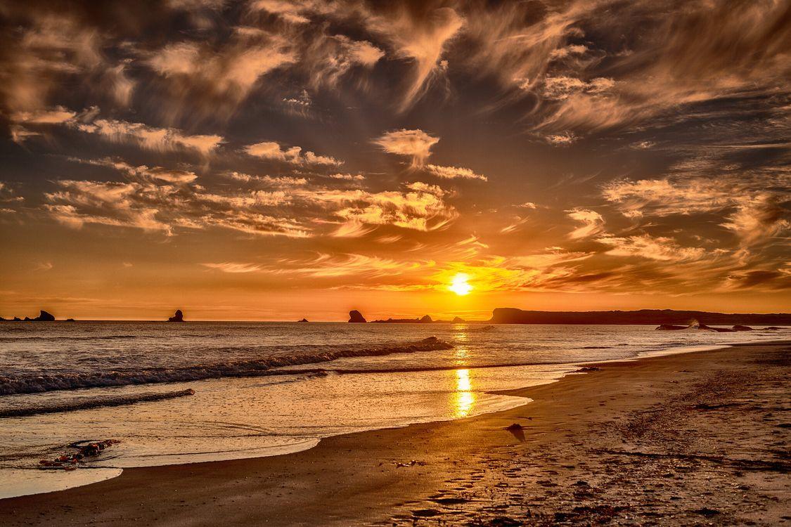 Закат на побережье Калифорнии · бесплатная заставка