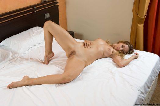 Бесплатные фото Valery,эротика,голая девушка,обнаженная девушка,позы,поза,сексуальная девушка,Nude,Solo,Posing,Erotic,фотосессия