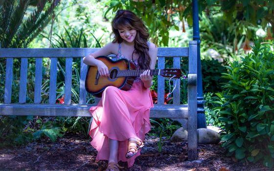 Фото бесплатно азиатские, девочка, гитара, настроение, музыка, скамейка, парк, лето