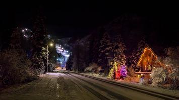 Бесплатные фото Рождество,Аляска,зима,ночь,дорога,иллюминация,огни