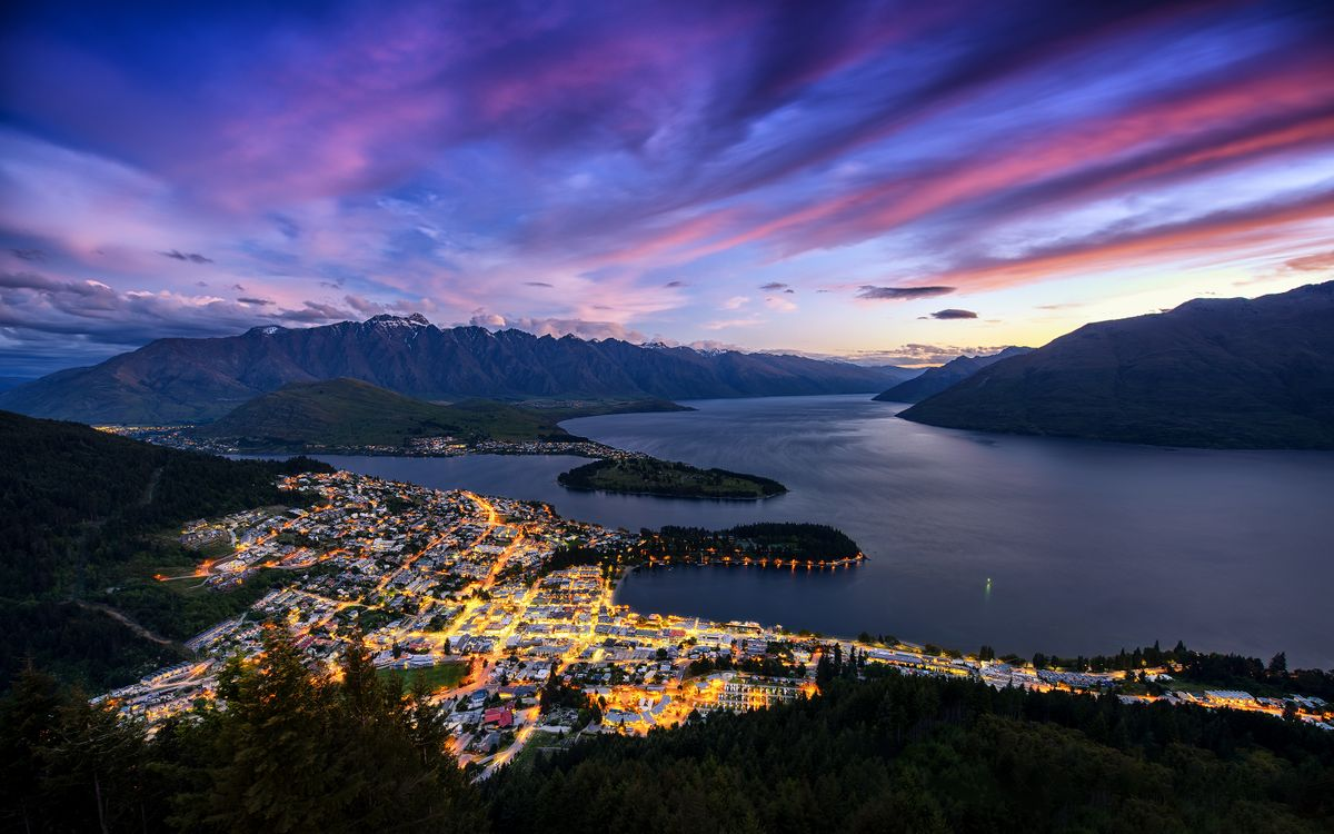 Фото бесплатно Новая Зеландия, Квинстаун, город, огни, облака, горы, пейзажи - скачать на рабочий стол