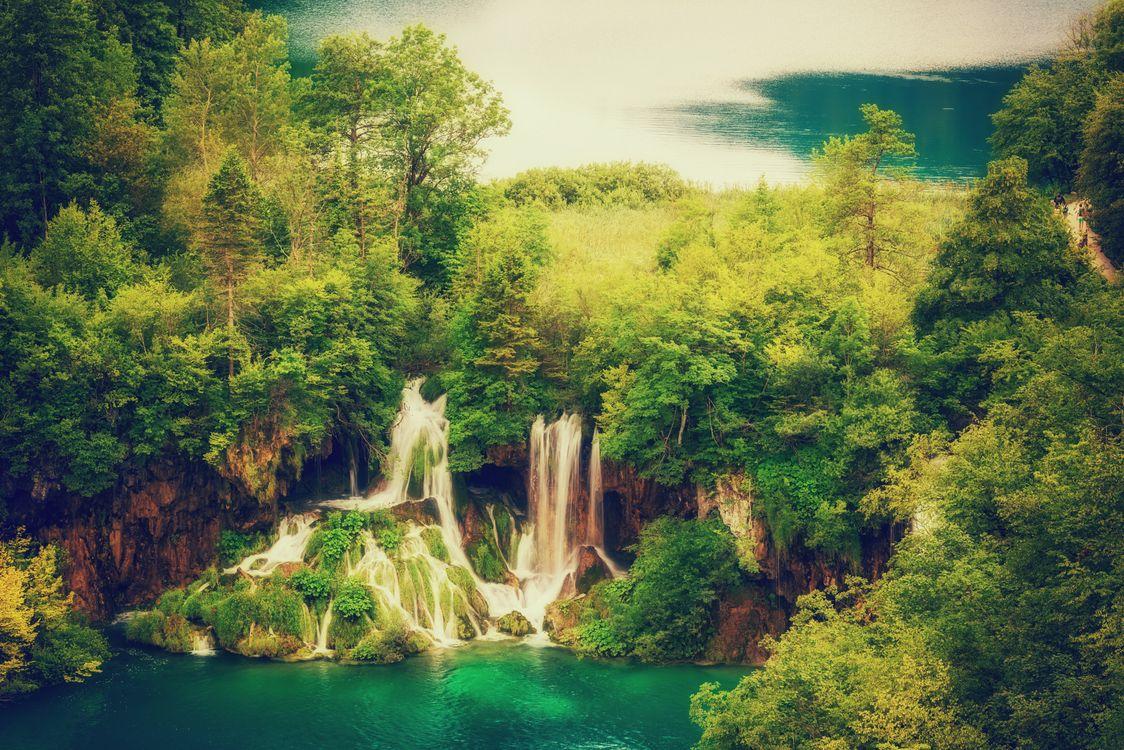 Сказочный водопад · бесплатное фото