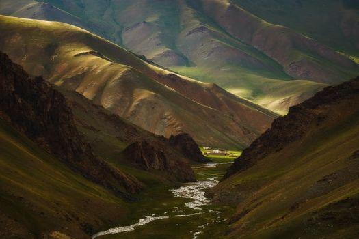 Чабанская кошара в ущелье реки Таш Рабат