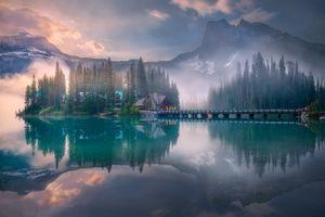 Бесплатные фото Emerald Lake,Yoho National Park,Canada,Изумрудное озеро,Национальный парк Йохо,Канада,туман