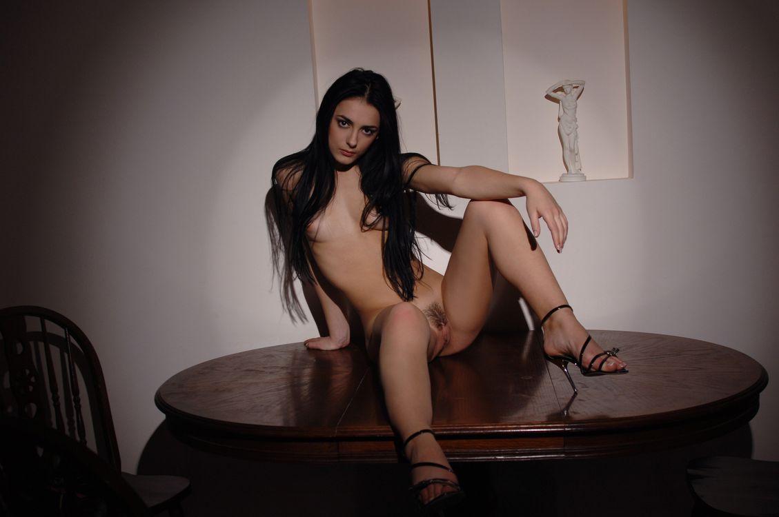 Эротика на перчикюнет, смотреть любительская съемка сексуальных секретарш