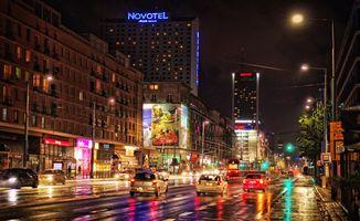 Фото бесплатно Варшава, Польша, ночь, дорога, огни, иллюминация, дома, машины, городской пейзаж