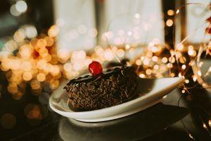Бесплатные фото пирожное,шоколадное,блюдце,стол