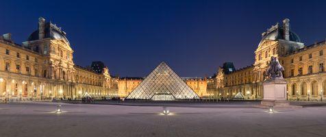 Фото бесплатно Дворец Лувр Наполеонский двор, Париж, Франция