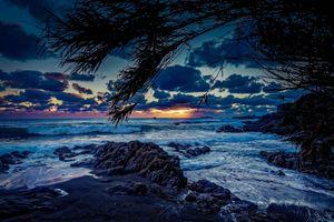 Заставки Корсика,закат,сумерки,море,Средиземное море,рок,растительность