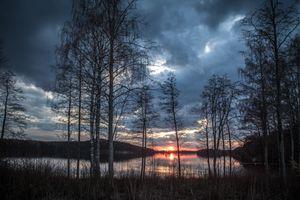 Заставки Финляндия,закат,сумерки,озеро,небо,облака,деревья