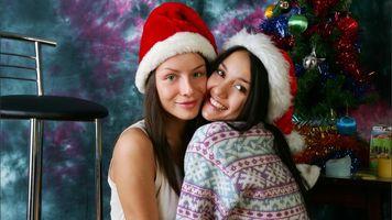 Бесплатные фото Вика,Камилла,брюнетка,2 девушки,не ню,Рождество,лицо