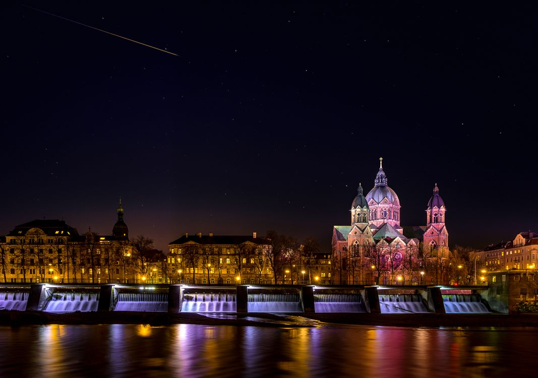 Фото бесплатно Церковь Святого Луки, Мюнхен, Германия, город, ночь, иллюминация, ночные города, город