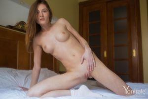 Бесплатные фото Gerda Y,красотка,голая,голая девушка,обнаженная девушка,позы,поза