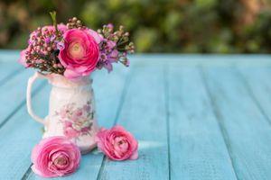 Бесплатные фото стол,ваза,букет,цветы,розы