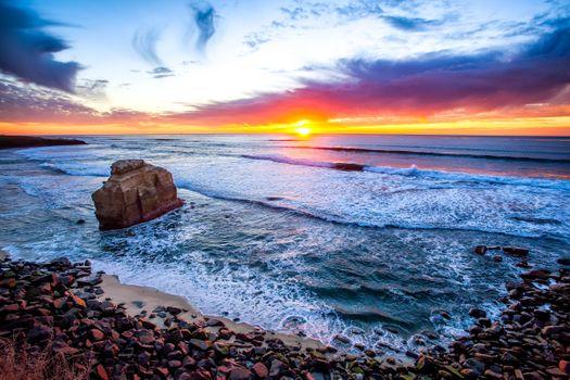 Фото бесплатно Ocean, Sunset, San Diego, закат, море, пляж, скала, волны, небо, природа, пейзаж