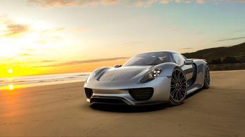 Фото бесплатно porsche 918, пляж, песок