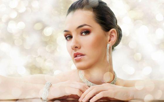 Photo free girl, necklace, manicure