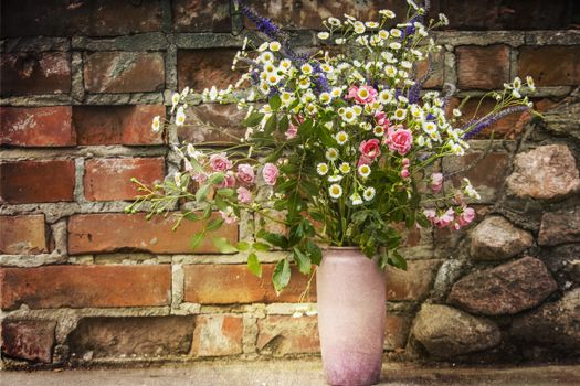 Photo free festive bouquet, wild flowers, vase