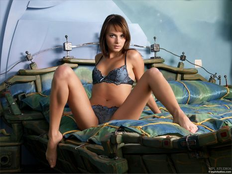 Фото бесплатно Maya, Julia I, Jewel, Justin, Mariara, красотка, голая, голая девушка, обнаженная девушка, позы, поза, сексуальная девушка