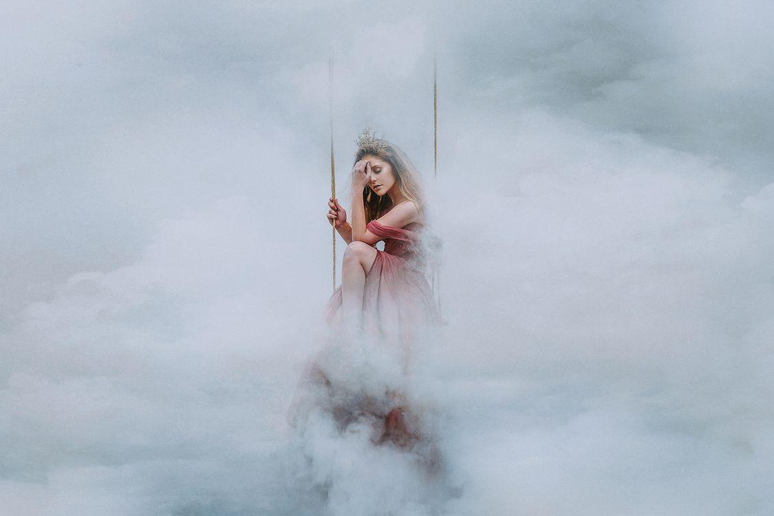 девушка,в облаках · бесплатное фото