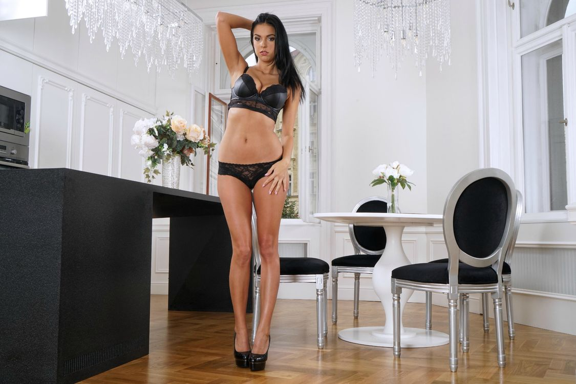 Free photo Foxxi Black, brunette, lingerie - to desktop
