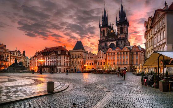 Бесплатные фото архитектура,здание,вечер,огни,городской пейзаж,облака,прага,чешская республика,дом,городская площадь,старое здание,закат