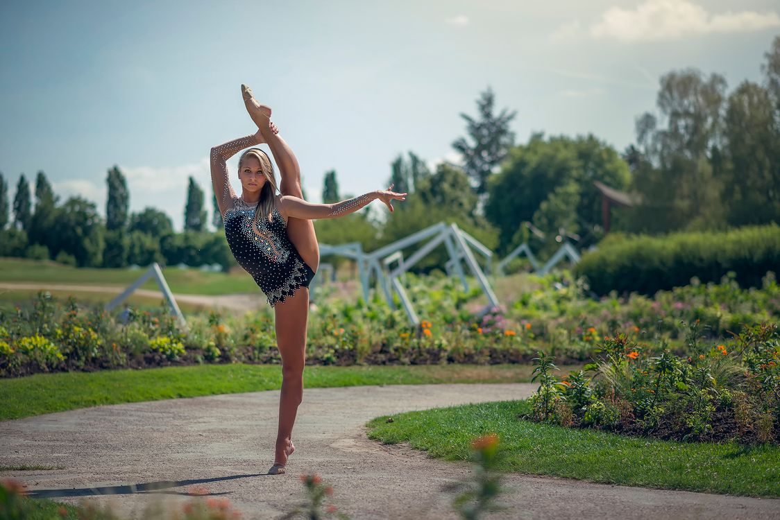 Фото бесплатно oceane charoy, гимнастка, поза, грация, девушки