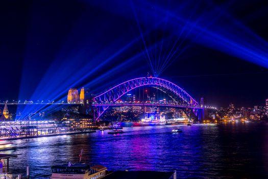 Фото бесплатно Сидней, Австралия, город, ночь, мост, огни, иллюминация, неон, лучи