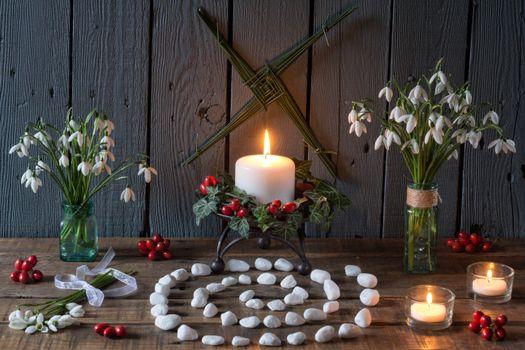 Бесплатные фото натюрморт,спираль,цветы,подснежники,свечи,Друидизм,Обод,друид,язычник