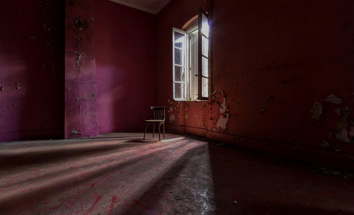 Фото бесплатно заброшенный дом, стул, номер - на рабочий стол