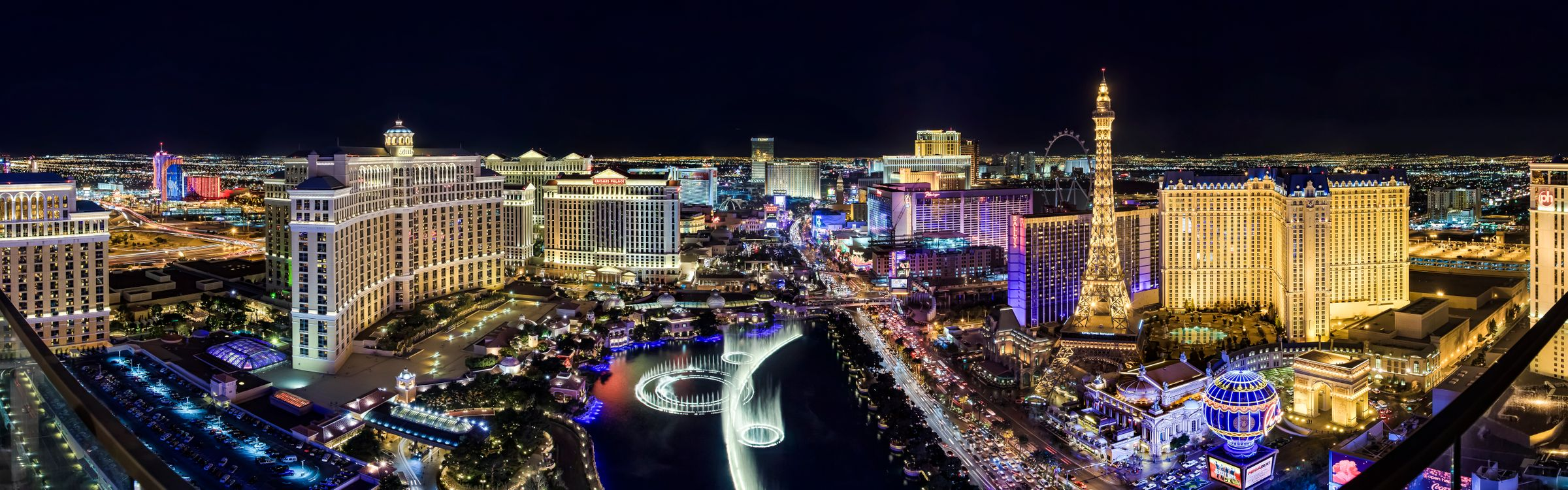 Free photo architecture, the lights of Las Vegas luxury hotel, blue hour - to desktop
