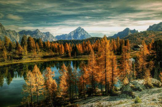 Бесплатные фото Antelao Dolomiti Mountain Re,Италия,Bergsee,природа,озеро,облака,небо,альпийский,горы,осень,домик,хижина