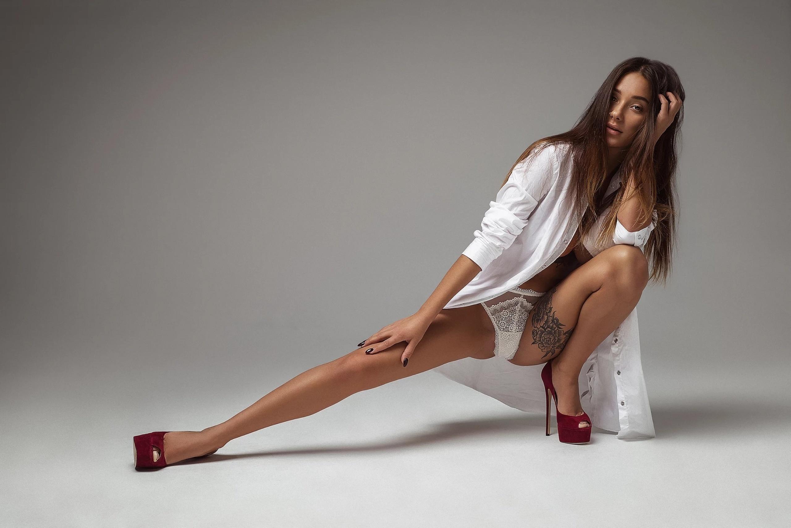 Секси трусики ножки