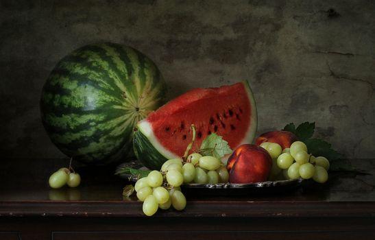 Фото бесплатно натюрморт, арбуз, виноград, еда
