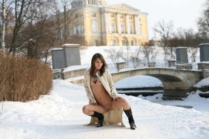 Бесплатные фото Inna C, красотка, голая, голая девушка, обнаженная девушка, позы, поза