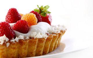 Фото бесплатно малина, клубника, десерт