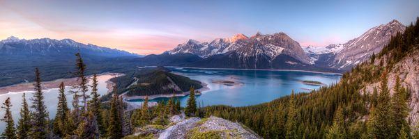 Фото бесплатно Гора Саррайл, озеро Кананаскис, Альберта, Канада, панорама