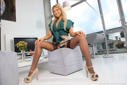Photo free pose, Natalia Forrest, sexy girl