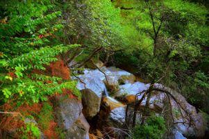Фото бесплатно лес, водопад, камни, скалы, деревья, природа, пейзаж