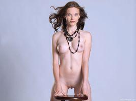 Бесплатные фото Liana E,красотка,голая,голая девушка,обнаженная девушка,позы,поза