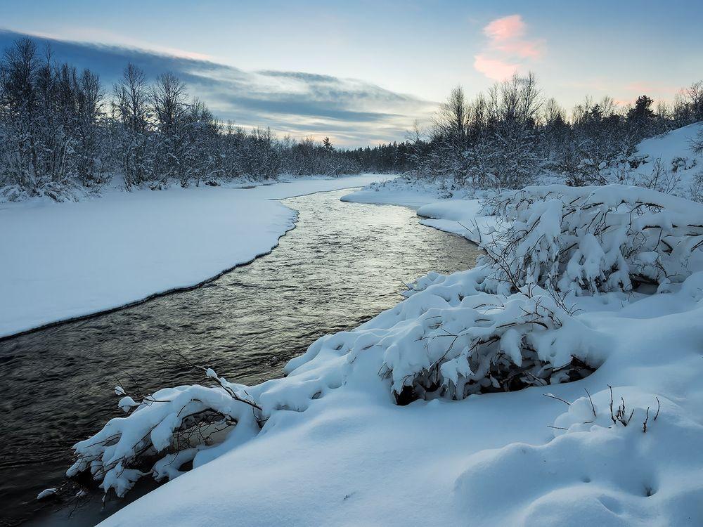 втянулась, картинки река заснеженная думайте что это