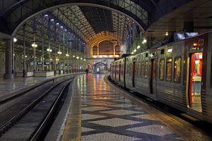 Бесплатные фото Последний поезд,станция Россио,Лиссабон,Португалия