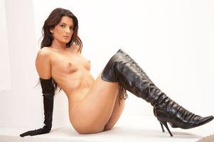Бесплатные фото Amandine,Французская штучка,эротика,голая девушка,обнаженная девушка,позы,поза
