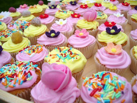 Фото бесплатно кекс, сливки, сладкие цветы