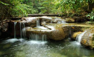 Заставка лес, водопад на монитор