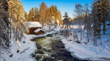 Бесплатные фото Финляндия,Лапландия,зима,река,дом,лес,деревья