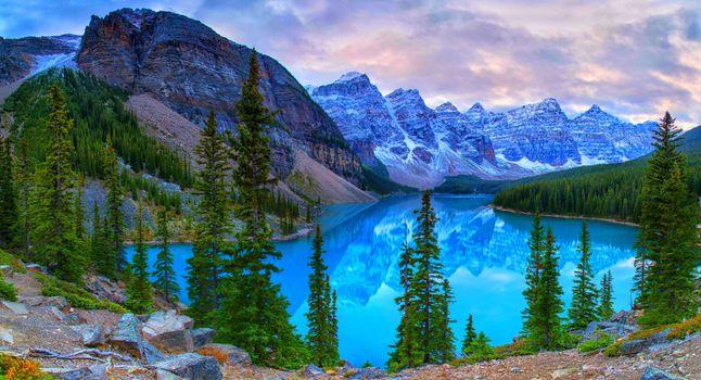 Фото бесплатно Озеро Морейн, скалы, Альберта