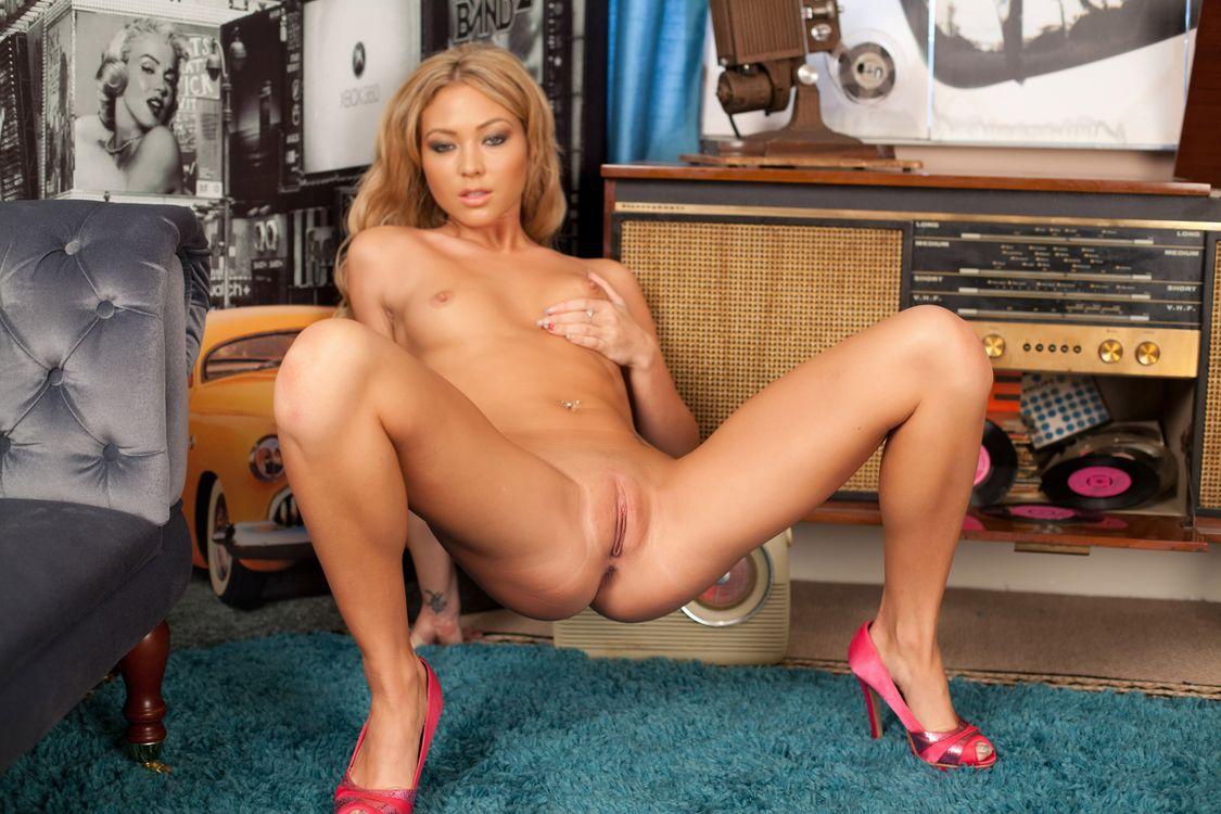 Фото бесплатно Natalia Forrest, красотка, голая, голая девушка, обнаженная девушка, позы, поза, сексуальная девушка, эротика, Nude, Solo, Posing, Erotic, фотосессия, sexy, эротика