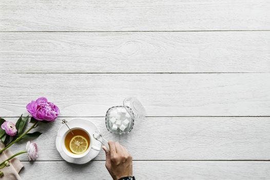 Tea with lemon · free photo